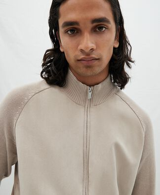 Knitted jacket with zip