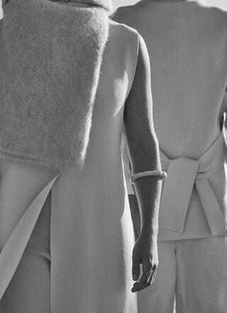 Belt cerrojillo knit cape