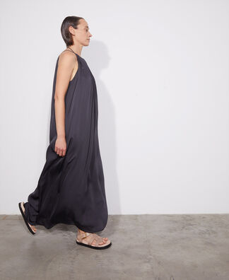 LONG PLEATED DRESS WITH HALTER NECKLINE