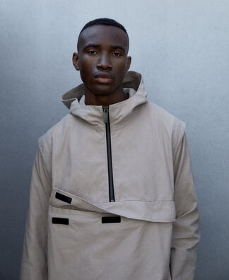 Nylon twill hooded kangaroo