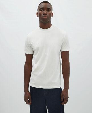Camiseta cuello caja en tejido arrugado