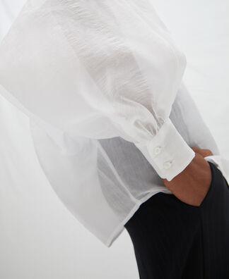 Camisa amplia con mangas abullonadas