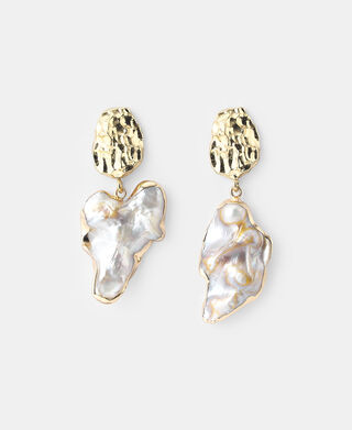 Chain and natural pearl earrings