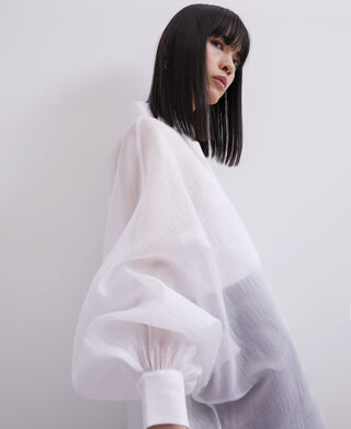 Oversize shirt with puffed sleeves