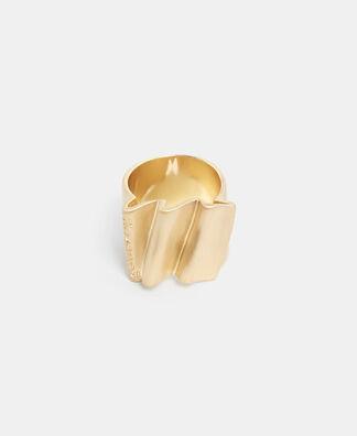 Pleated zinc ring